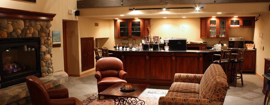 Bar-Hotel-Bigfork-Montana