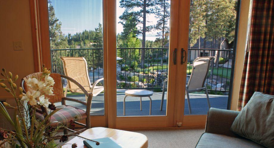 Room-at-Mountain-Lake-Lodge-Hotel-in-Bigfork-MT
